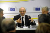 "Moscovici Favors ""Lighter"" Supervision Over Greek Economy"