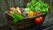 What Fruit, Veggies & Herbs Are In Season Now?