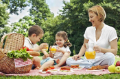 Great Parks In Athens For Kids & Spring Picnics