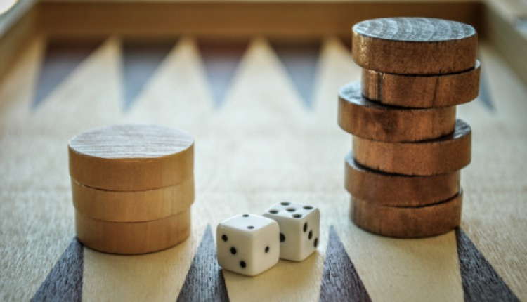 Greek Backgammon And How It's Played