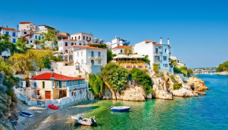 CNN Recommends Greek Islands For Peaceful Holiday Cruises
